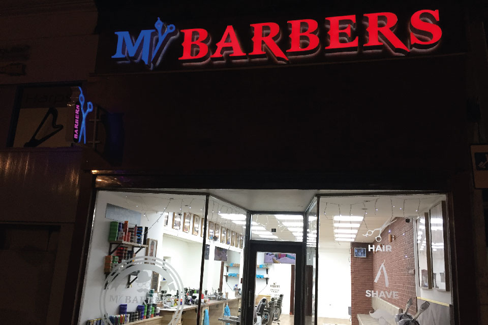 signs-edinburgh-3D-Letters-Built-up-Light-up-signs-edinburgh-mrbarbers-sign